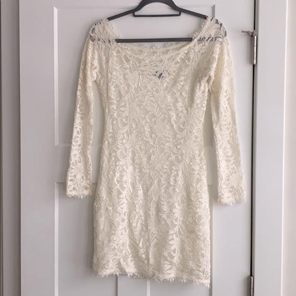 Cream lace bodycon dress size S